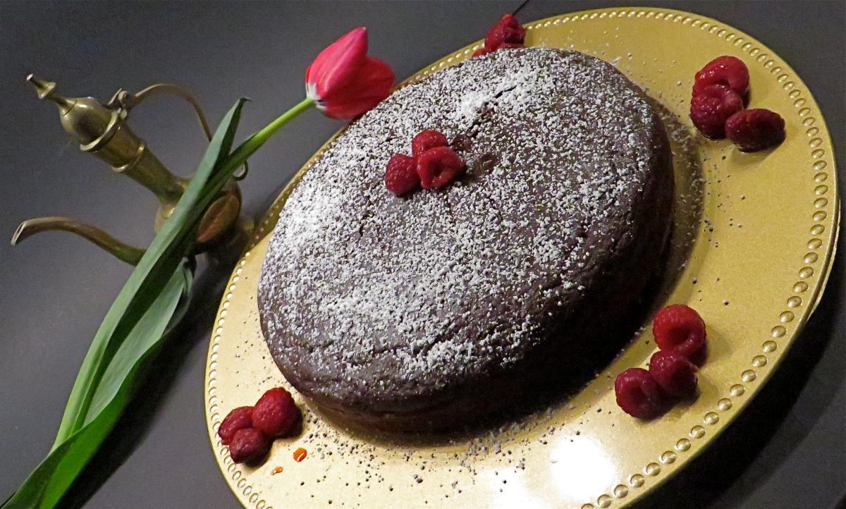 Moist Chocolate Cake (No eggs, No butter) Recipe – Safari ...